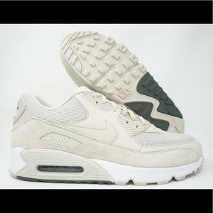 Nike Air Max 90 Essential Mens Running Shoes